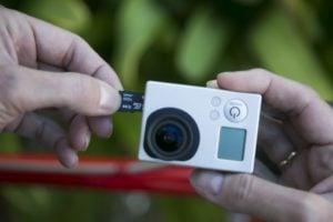 Lexar-High-Performance-microSDXC-UHS-I-64-Go-camera-de-poche1