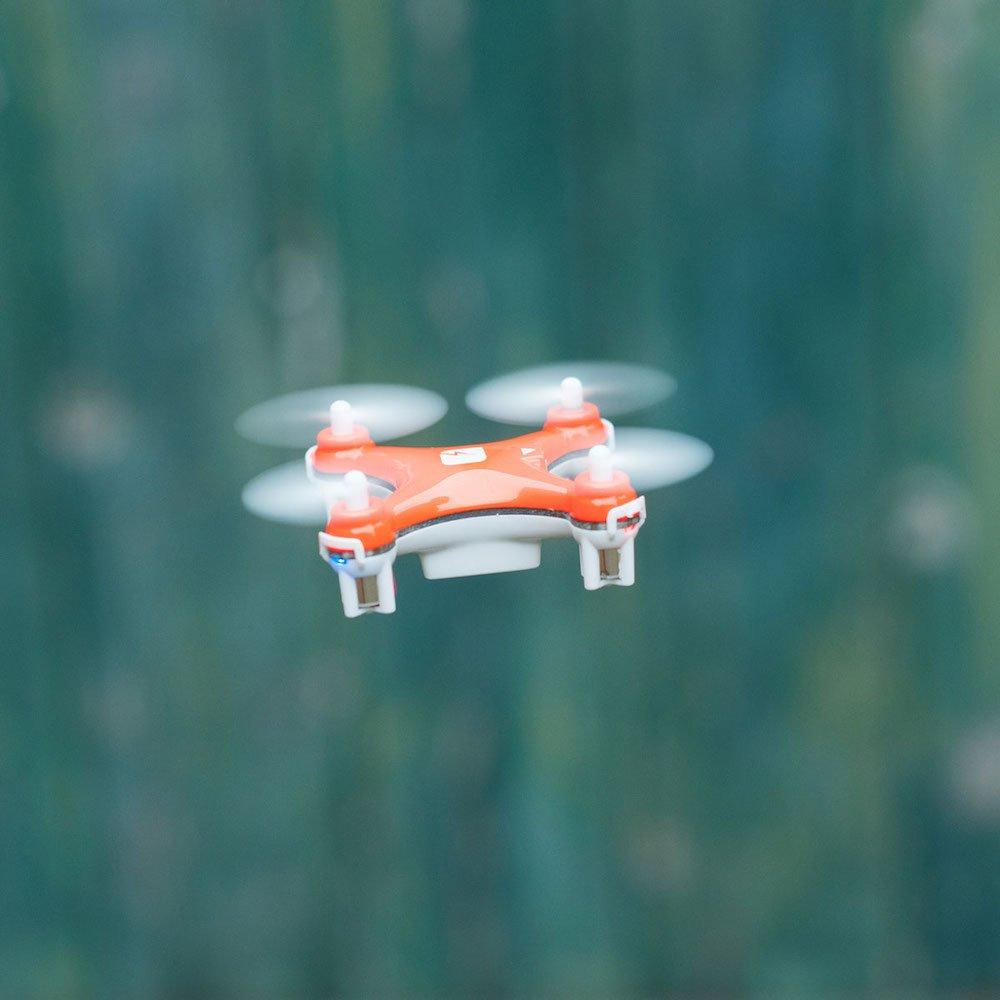 skeye nano drone en vol